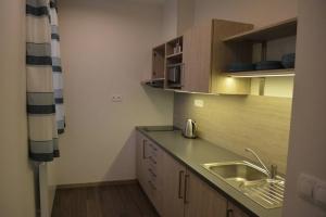 kuchyn-1c44-